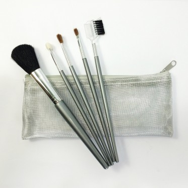 Synthetic hair cosmetic brushes set